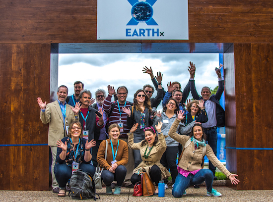 Some of the 44 journalists who took part in an SEJ-sponsored environmental regulatory workshop in Dallas during a walk-around the the site of program host Earth Day Texas.